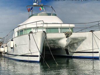 catamarano lagoon43Power