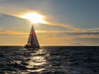 sailing-boat-485943_960_720