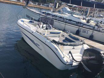 Barca a motore Ranieri Voyager 22