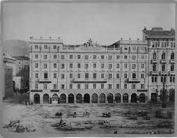 palazzo stratti piazza unità d'italia trieste